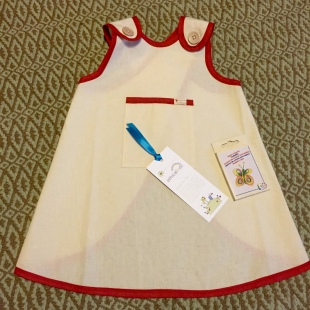 apron with fabric crayons