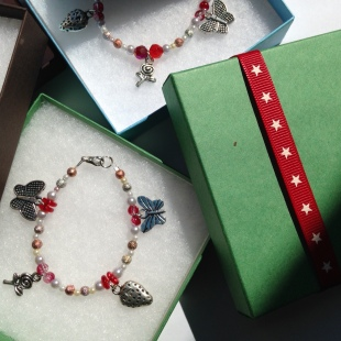 Charm Bracelet Red Berry
