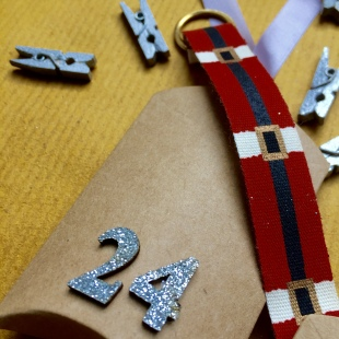 Advent Santa's Belt 24