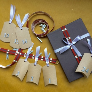 Advent Santa's Belt in Gift Box