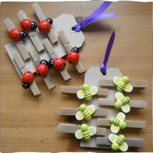 Bamboo Pegs Set